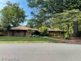 300 Howard Street, Mount Airy, NC 27030 (MLS #1034156) :: Ward & Ward Properties, LLC