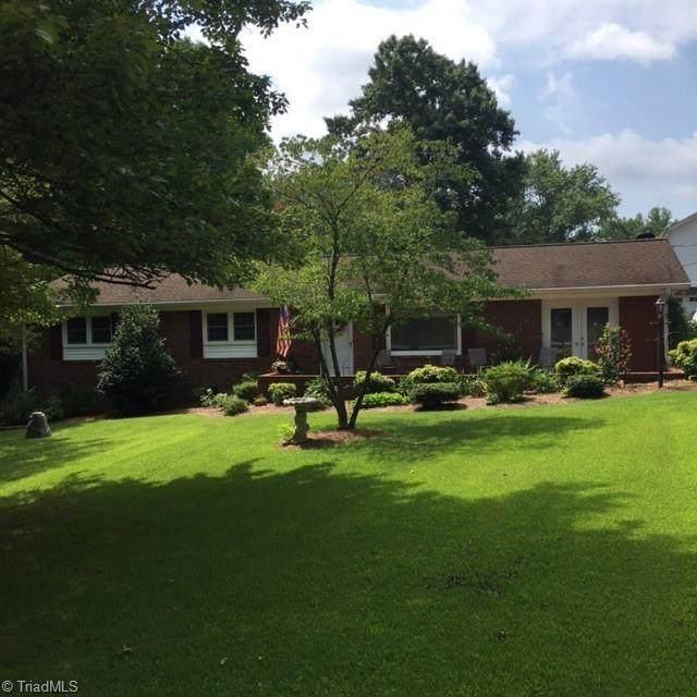 6505 & 6507 Staffordshire Drive, High Point, NC 27263 (MLS #1035032) :: Ward & Ward Properties, LLC