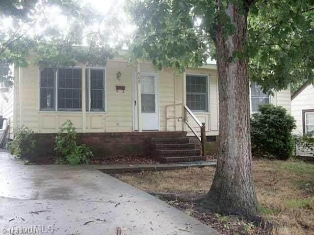 908 S Josephine Boyd Street, Greensboro, NC 27403 (MLS #1036991) :: Hillcrest Realty Group