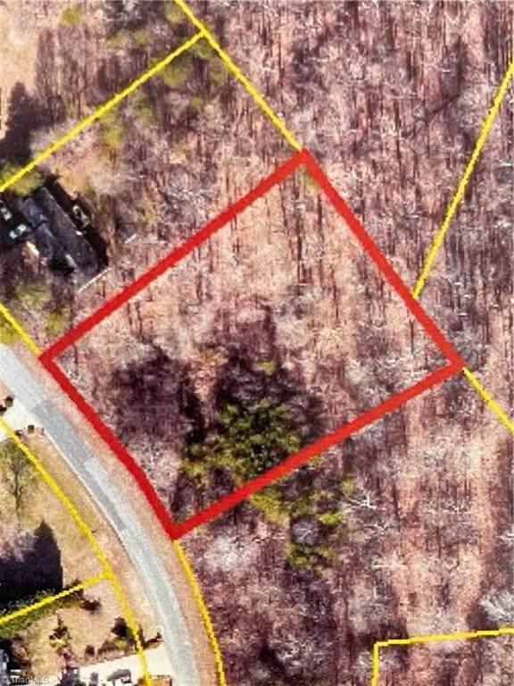 6906 Smoke Crest Drive, Kernersville, NC 27284 (MLS #1042862) :: Berkshire Hathaway HomeServices Carolinas Realty