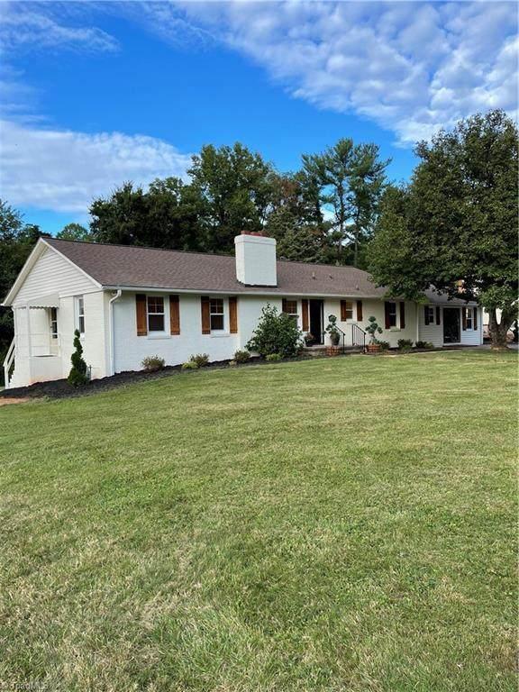 829 Kenwick Drive, Winston Salem, NC 27106 (MLS #1042958) :: Berkshire Hathaway HomeServices Carolinas Realty