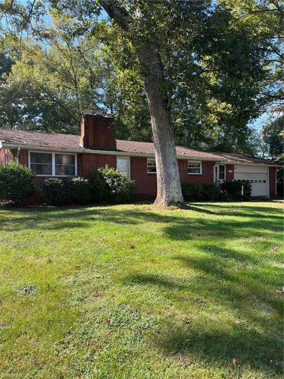 1516 Dinkins Road, Yadkinville, NC 27055 (MLS #1045808) :: Witherspoon Realty