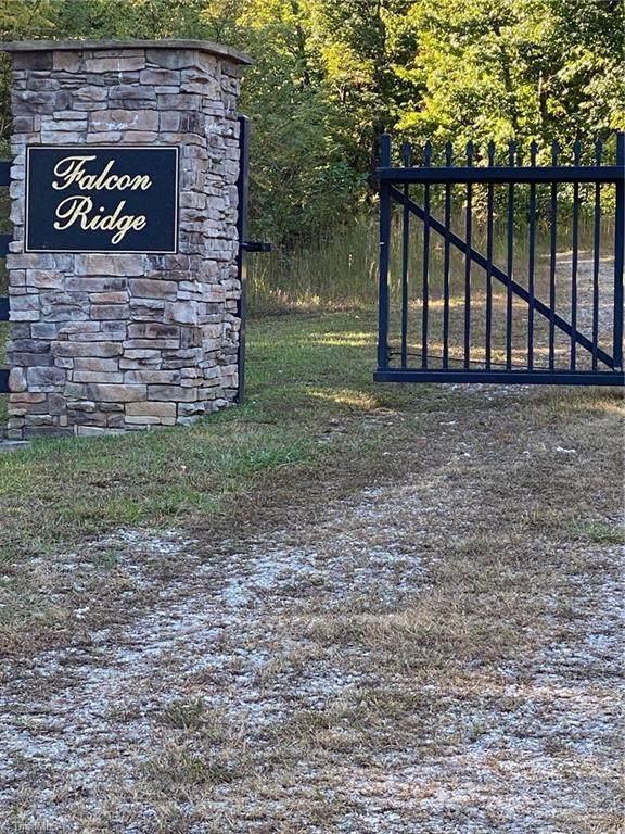 LT 19 Falcon Ridge Drive, Moravian Falls, NC 28654 (#1046426) :: Premier Realty NC