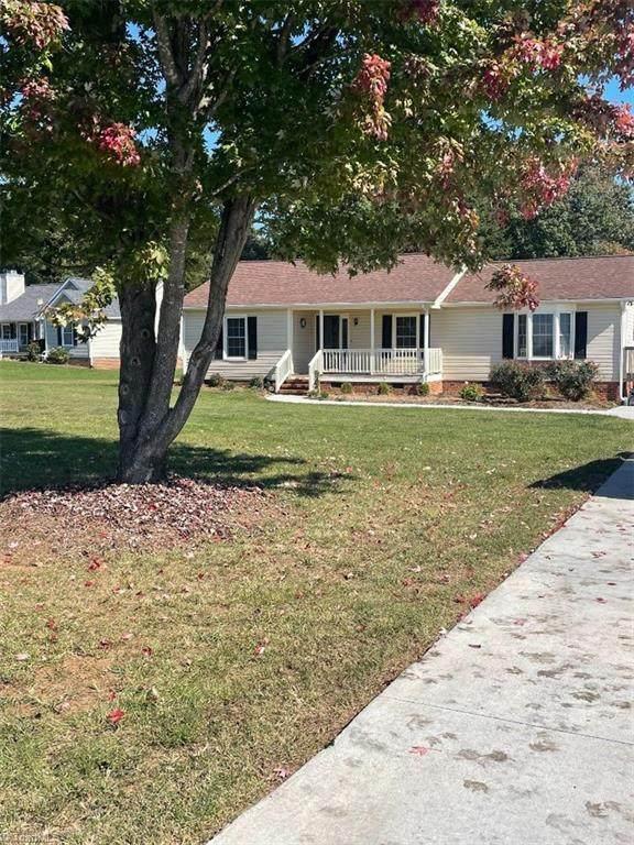2907 Spencers Grove Road, Browns Summit, NC 27214 (MLS #1047001) :: Lewis & Clark, Realtors®