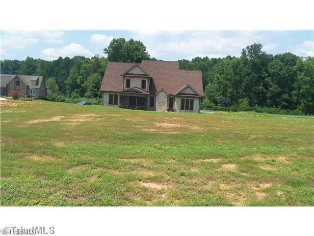 492 Spring Lake Farm Circle, Winston Salem, NC 27101 (MLS #820248) :: Lewis & Clark, Realtors®