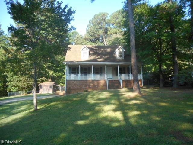 6168 Brinkley Park Drive, Belews Creek, NC 27009 (MLS #853086) :: Kristi Idol with RE/MAX Preferred Properties