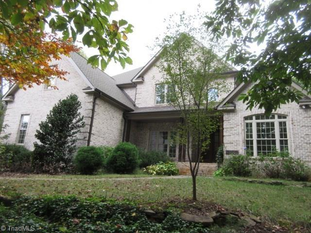 5008 Robdot Drive, Oak Ridge, NC 27310 (MLS #853779) :: Kristi Idol with RE/MAX Preferred Properties