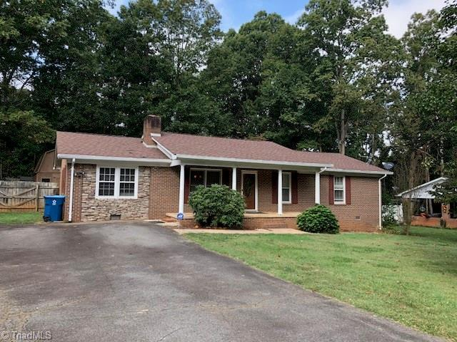 123 Redwood Drive, Mocksville, NC 27028 (MLS #854128) :: Kristi Idol with RE/MAX Preferred Properties