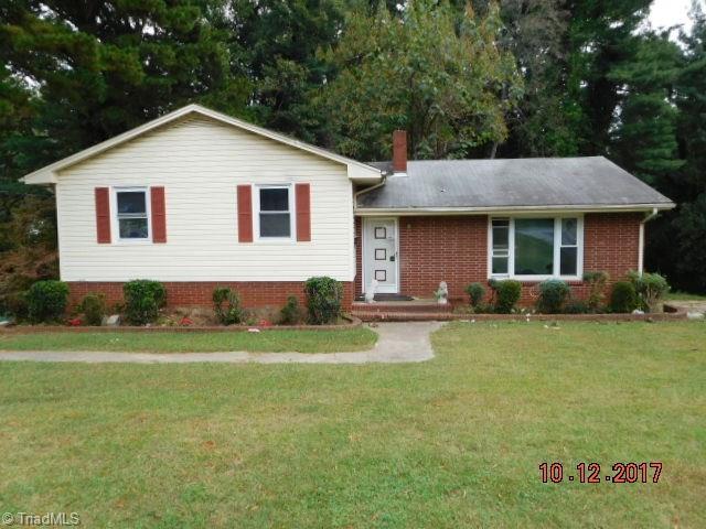 707 S Westview Drive, Winston Salem, NC 27103 (MLS #854360) :: Kristi Idol with RE/MAX Preferred Properties