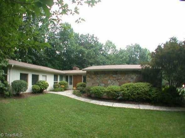 226 Lakeway Drive, Lewisville, NC 27023 (MLS #854634) :: Banner Real Estate