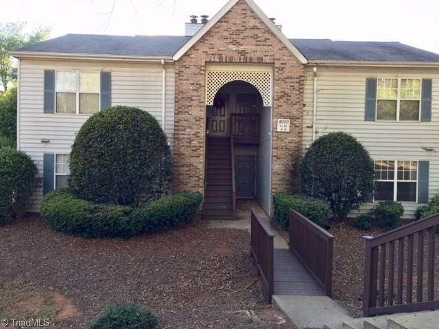 4020 Whirlaway Court G, Clemmons, NC 27012 (MLS #859351) :: Kristi Idol with RE/MAX Preferred Properties