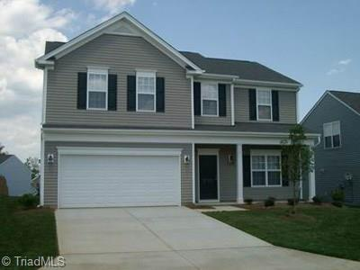 3739 Village Springs Drive, High Point, NC 27265 (#860758) :: Carrington Real Estate Services