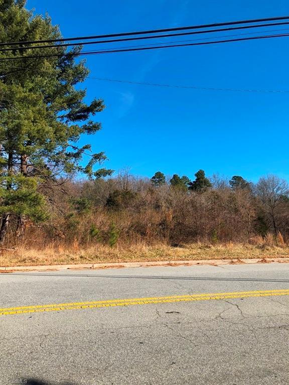 403 Oakdale Road, Jamestown, NC 27282 (MLS #870628) :: Lewis & Clark, Realtors®