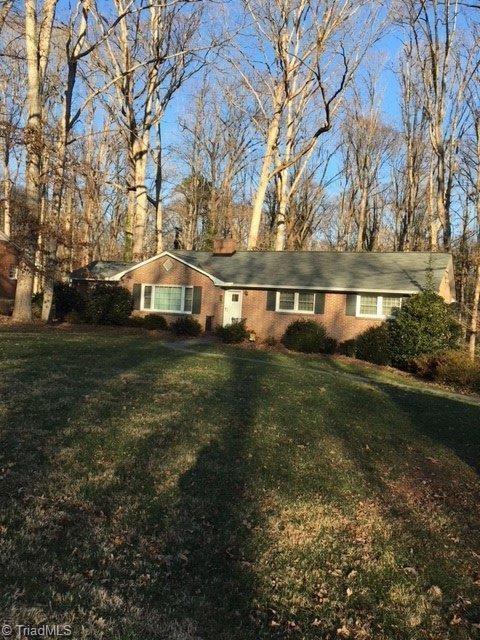 709 Finsbury Road, Winston Salem, NC 27104 (MLS #870815) :: Banner Real Estate