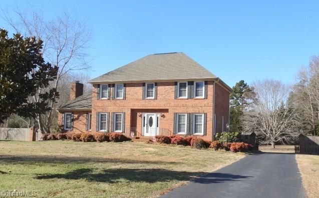 124 Springfield Drive, Advance, NC 27006 (MLS #871135) :: Banner Real Estate