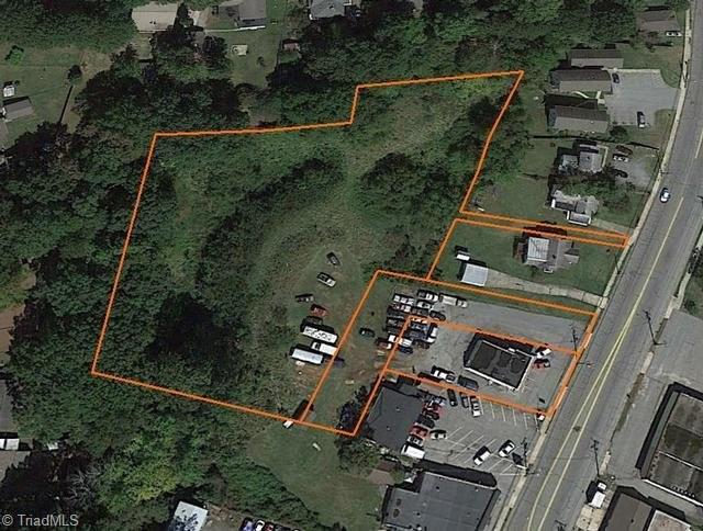 3209 Summit Avenue, Greensboro, NC 27405 (MLS #871198) :: Lewis & Clark, Realtors®