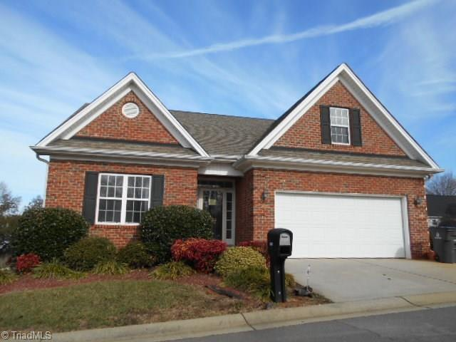 3820 Stillmere Drive, Winston Salem, NC 27101 (MLS #871364) :: Banner Real Estate