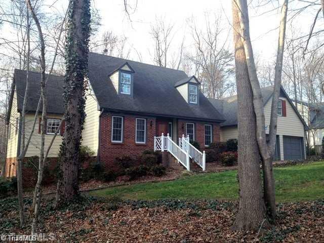 5639 Regents Park Road, Kernersville, NC 27284 (MLS #874672) :: Banner Real Estate