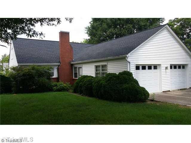 763 Yadkinville Road, Mocksville, NC 27028 (MLS #875520) :: Kristi Idol with RE/MAX Preferred Properties