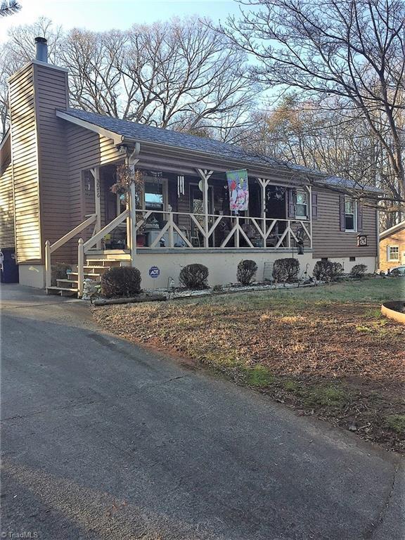 3076 Buchanan Street, Winston Salem, NC 27127 (MLS #875622) :: Kristi Idol with RE/MAX Preferred Properties