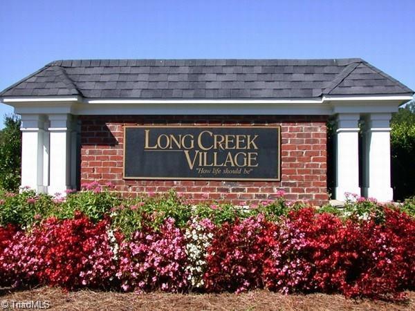 1735 Crestlawn Trail, Pfafftown, NC 27040 (MLS #877690) :: Kristi Idol with RE/MAX Preferred Properties