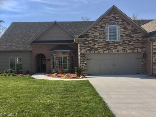 2737 Croquet Circle, High Point, NC 27262 (MLS #882482) :: Banner Real Estate