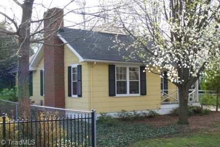 325 N Avalon Road, Winston Salem, NC 27104 (MLS #883130) :: Lewis & Clark, Realtors®