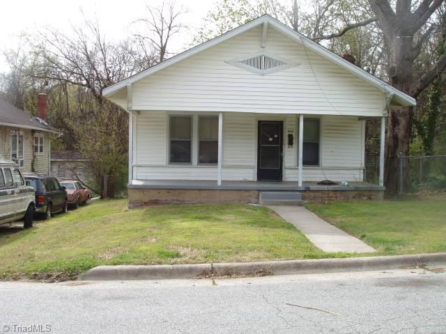 904 Omaha Street, Greensboro, NC 27406 (MLS #884988) :: Kristi Idol with RE/MAX Preferred Properties