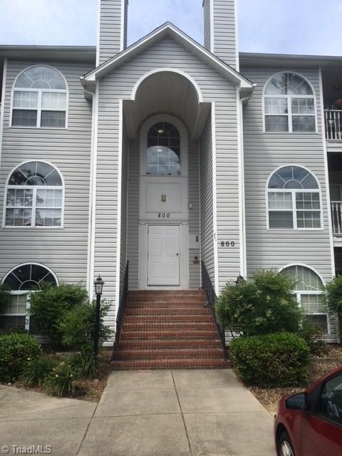 822 Rivertree Lane, Winston Salem, NC 27103 (MLS #888142) :: Banner Real Estate