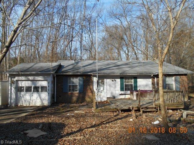 2888 Hondo Drive, Winston Salem, NC 27103 (MLS #888159) :: Banner Real Estate