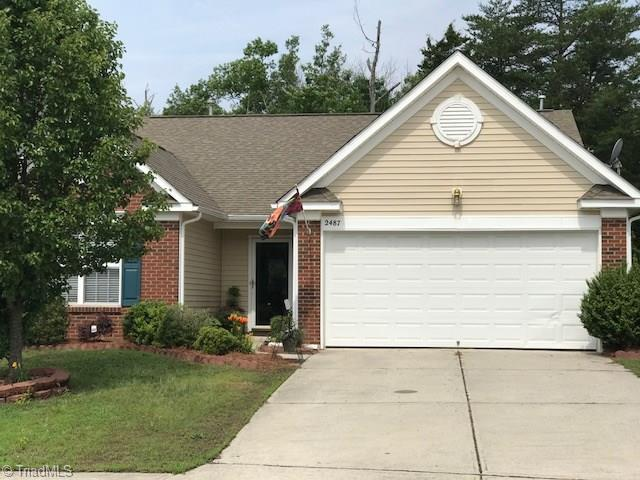 2487 Ingleside Drive, High Point, NC 27265 (MLS #889258) :: Lewis & Clark, Realtors®