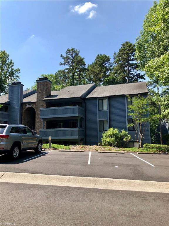 2923 Oaktop Circle, Greensboro, NC 27410 (MLS #892154) :: Lewis & Clark, Realtors®