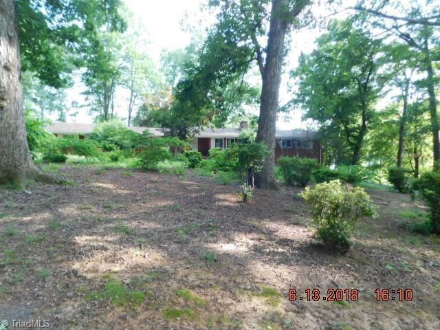 1300 Arrow Wood Road, Asheboro, NC 27205 (MLS #892234) :: Lewis & Clark, Realtors®