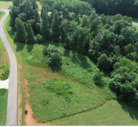 135 Riverchase Road, Pinnacle, NC 27043 (MLS #894078) :: Banner Real Estate