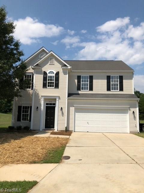 612 Lake Way, Kernersville, NC 27284 (MLS #894200) :: Kristi Idol with RE/MAX Preferred Properties