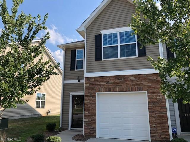 2468 Hartfield Circle, Winston Salem, NC 27103 (MLS #894265) :: Kristi Idol with RE/MAX Preferred Properties