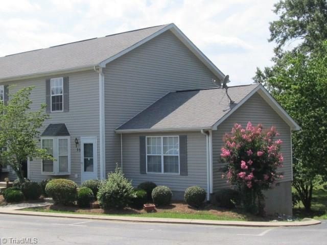 33 Portside Court, Greensboro, NC 27406 (MLS #896244) :: Lewis & Clark, Realtors®