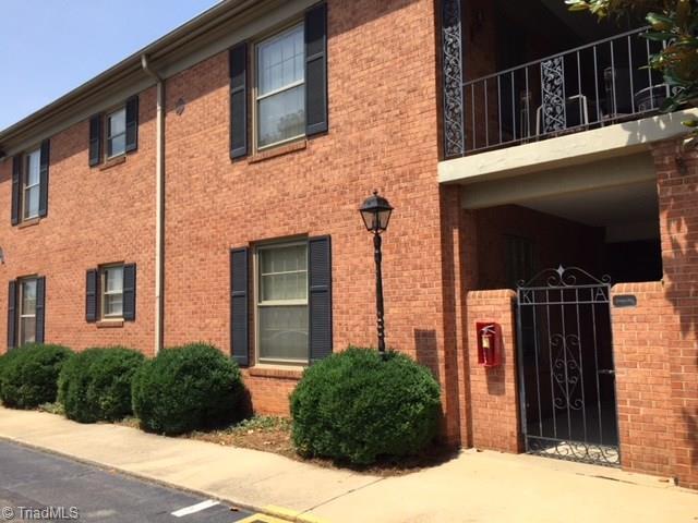 1833 Banking Street A1, Greensboro, NC 27408 (MLS #896292) :: Kristi Idol with RE/MAX Preferred Properties