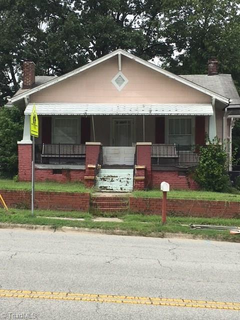 1703 Johnson Street, High Point, NC 27262 (MLS #897729) :: Lewis & Clark, Realtors®