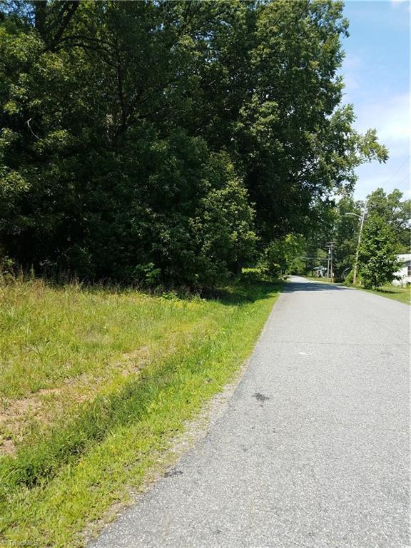 1820 Futrelle Drive, High Point, NC 27262 (MLS #900367) :: Lewis & Clark, Realtors®