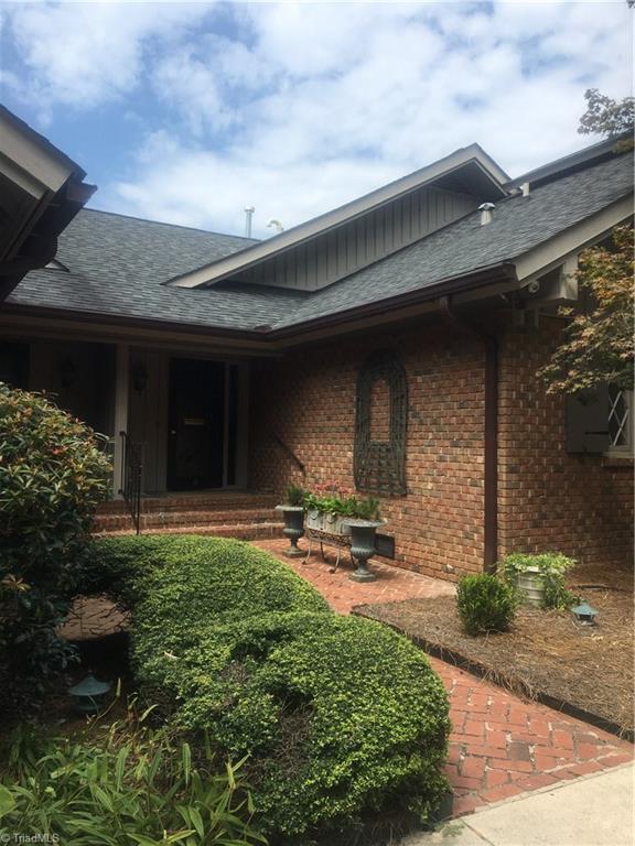 1515 Wickliff Avenue, High Point, NC 27262 (MLS #901997) :: Kristi Idol with RE/MAX Preferred Properties