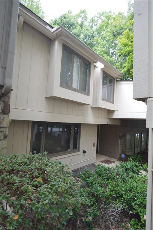 102 Lamplighter Circle, Winston Salem, NC 27104 (MLS #902779) :: Kristi Idol with RE/MAX Preferred Properties
