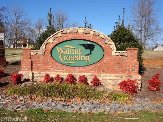 2145 Walnut Crossing Run, Yadkinville, NC 27055 (MLS #905804) :: Berkshire Hathaway HomeServices Carolinas Realty