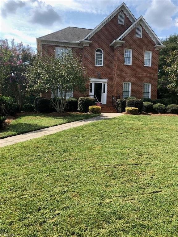 1740 Curraghmore Road, Clemmons, NC 27012 (MLS #908241) :: Kristi Idol with RE/MAX Preferred Properties