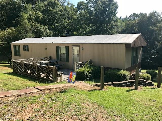 134 4th Avenue, New London, NC 28127 (MLS #909082) :: Kristi Idol with RE/MAX Preferred Properties