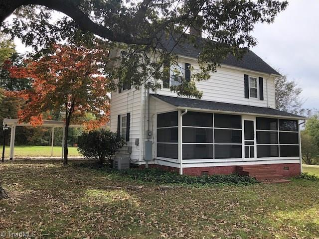 180 Center Street, Cooleemee, NC 27014 (MLS #909191) :: Kristi Idol with RE/MAX Preferred Properties