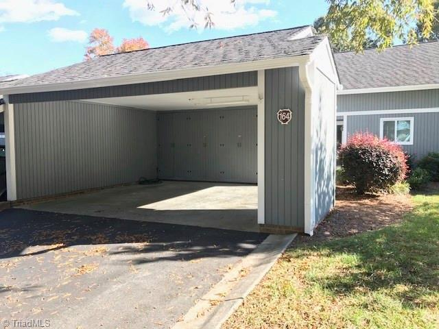 164 Pembrooke Ridge Court, Bermuda Run, NC 27006 (MLS #909243) :: Kristi Idol with RE/MAX Preferred Properties