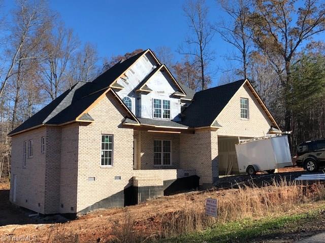 960 Eastshore Circle, Stokesdale, NC 27357 (MLS #911520) :: Kristi Idol with RE/MAX Preferred Properties