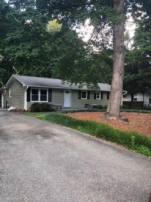 7606 Timberline Drive, Greensboro, NC 27409 (MLS #911671) :: Kristi Idol with RE/MAX Preferred Properties