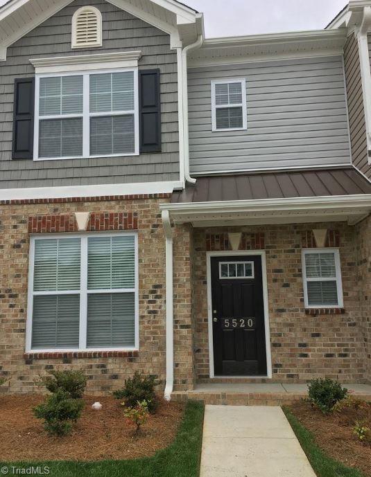 5520 Farm House Trail, Winston Salem, NC 27103 (MLS #912231) :: Kristi Idol with RE/MAX Preferred Properties